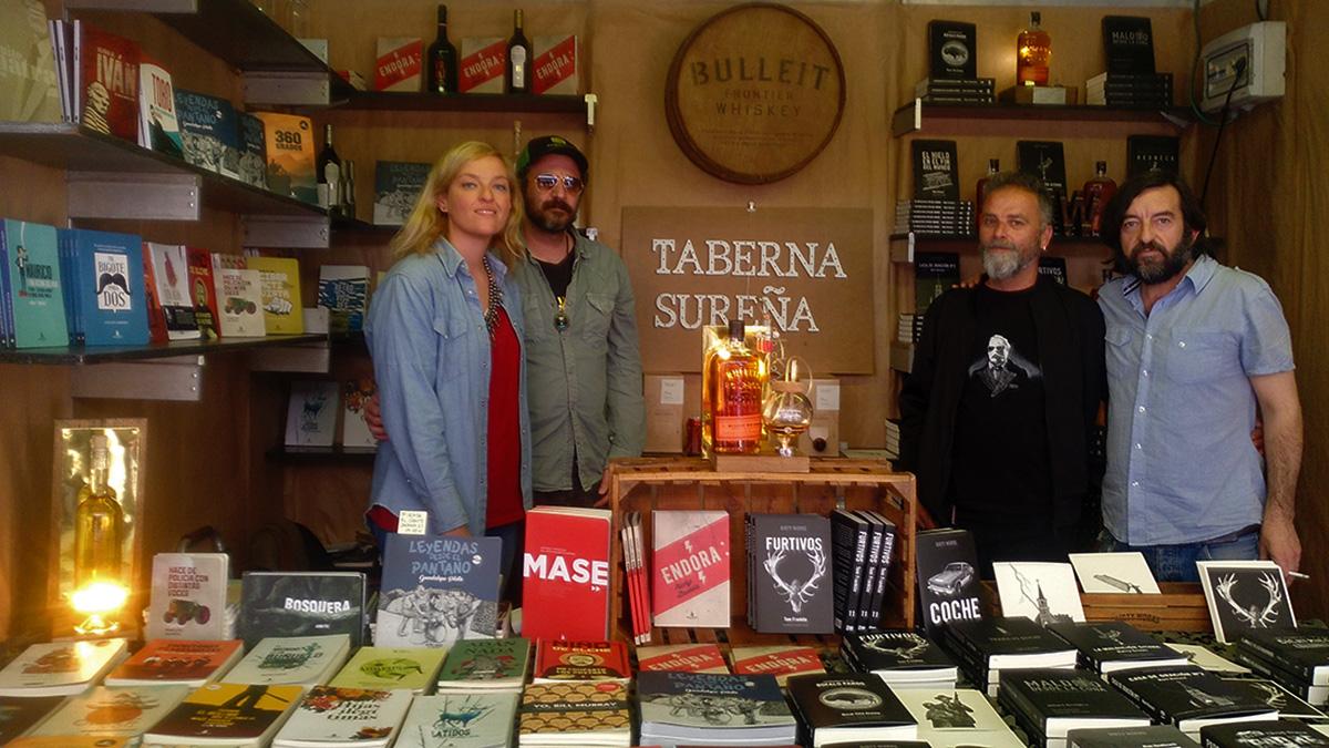 Bodegas Robles acompaña a Bandaàparte y Dirty Works en la Feria del Libro.
