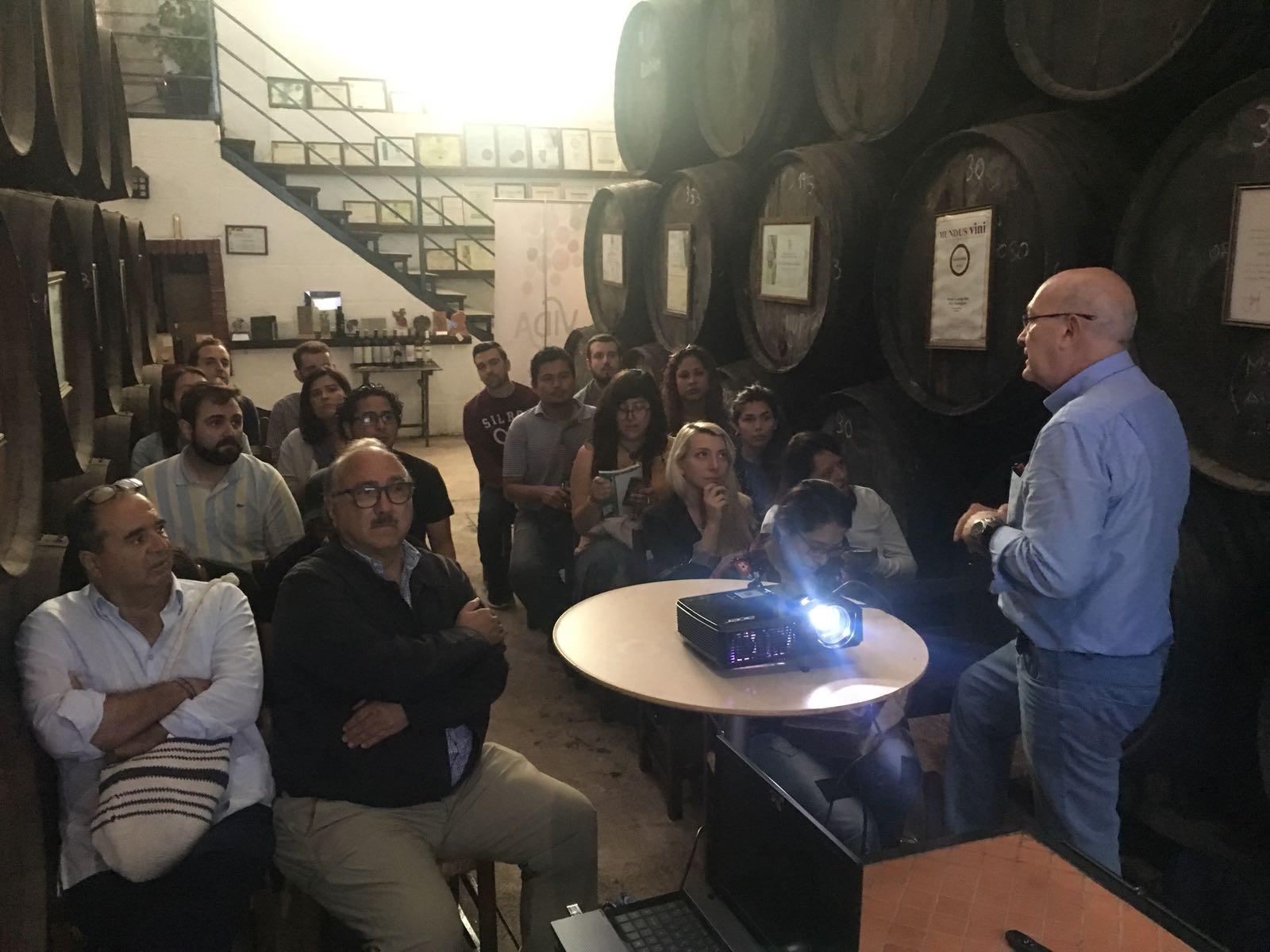 Fernando Ramos Leal y alumnos del Máster en Estrategias para el Desarrollo Rural y Territorial de la Universidad de Córdoba