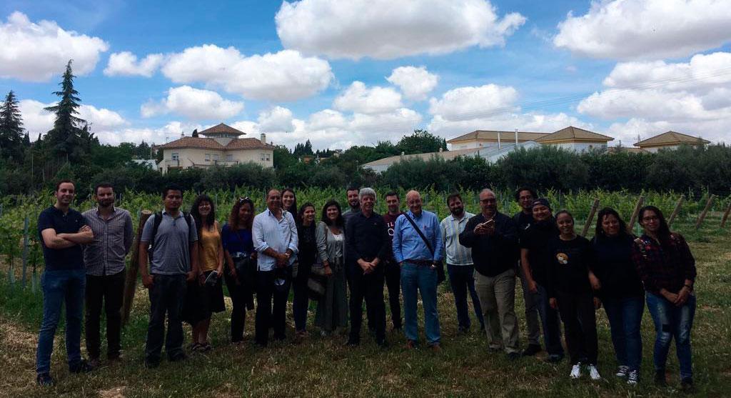 Bodegas Robles recibe al «Máster en Estrategias para el Desarrollo Rural y Territorial»