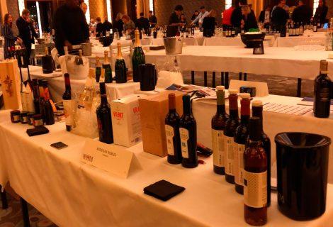 Un vermut andalusí en la cita internacional de vinos en París