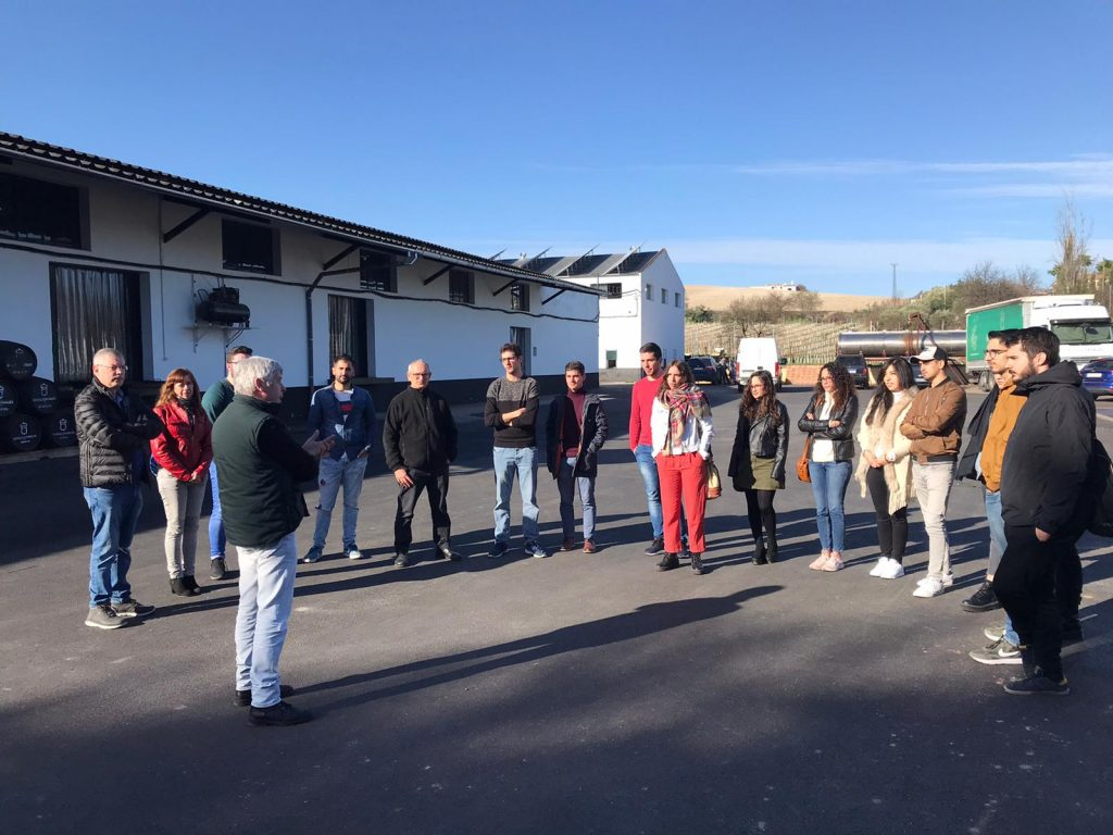 Visita a Bodegas Robles del Máster en Biotecnología de la UCO